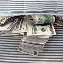 ماذا تفعل 20 مليون دولار تحت الفراش؟!